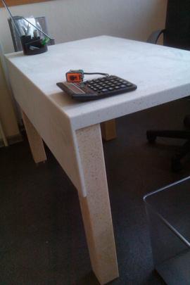 Изделия стол из искусственного камня